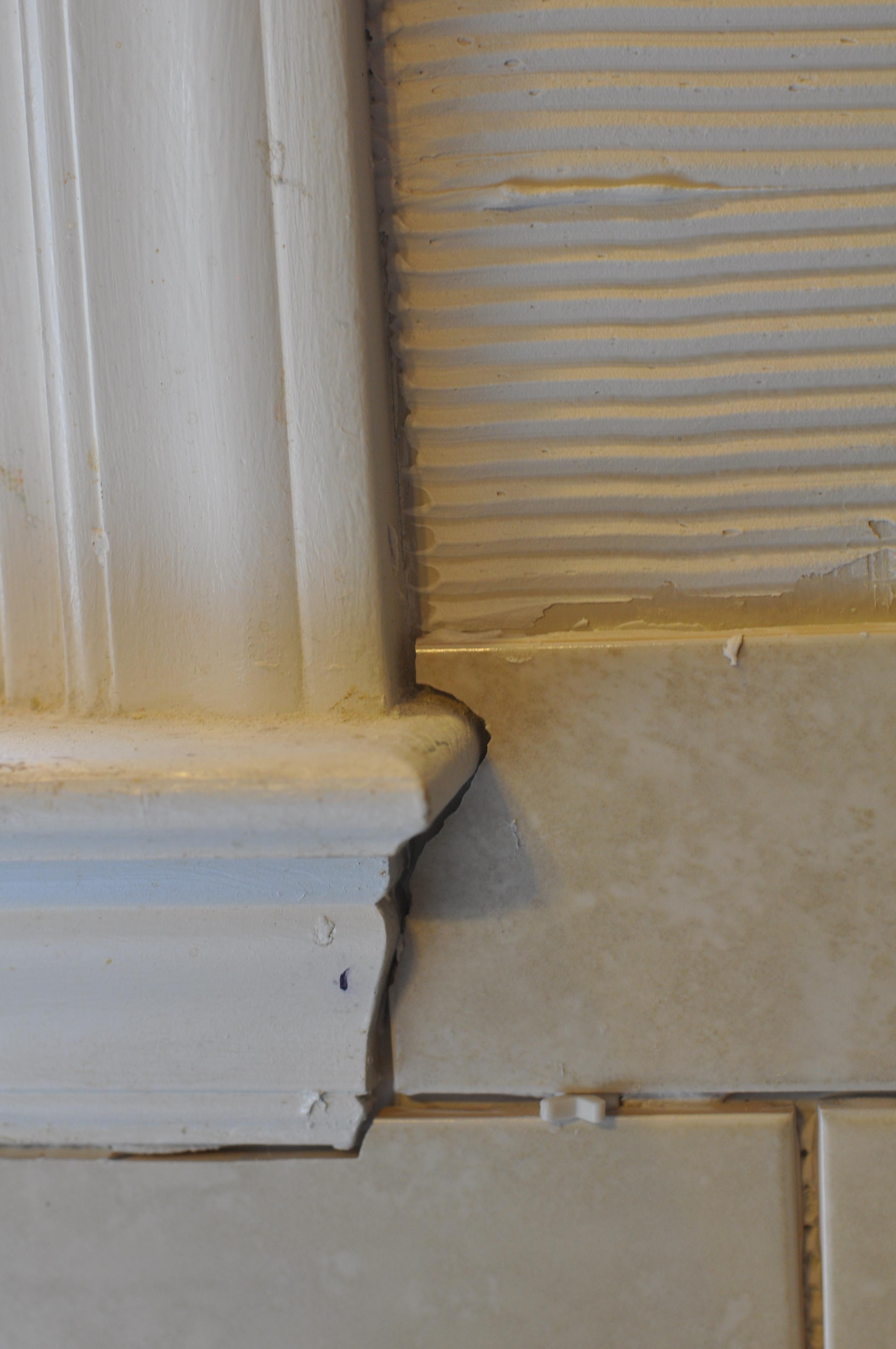 Laying Backsplash Tiles